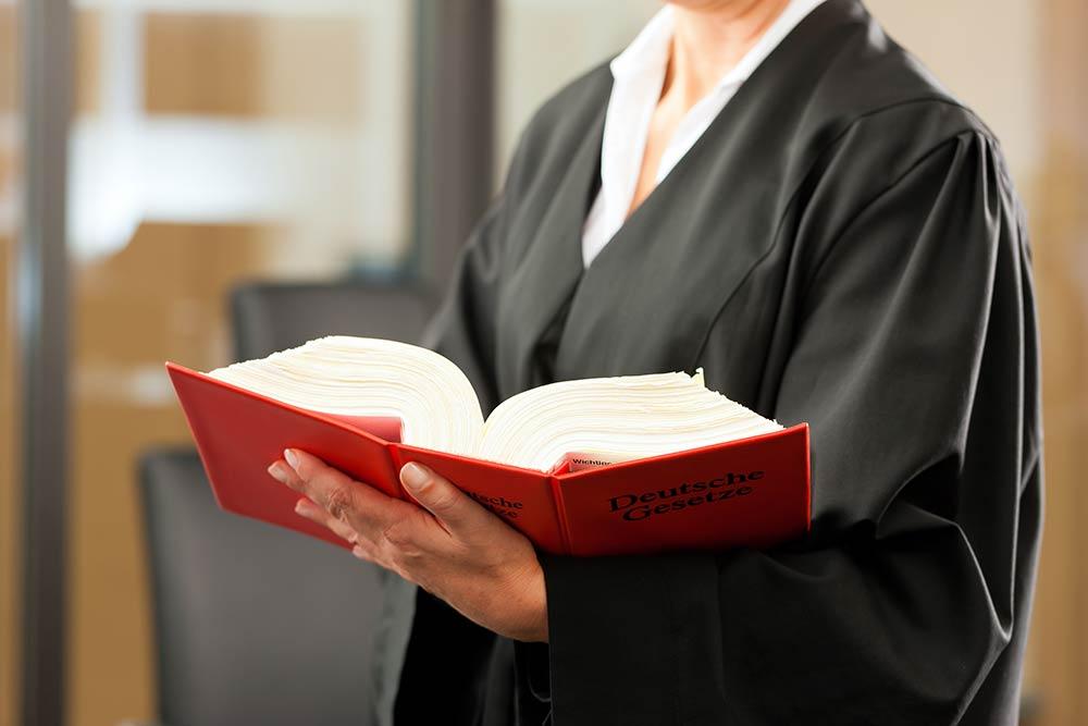 Rechtsschutzversicherung für Notfallsanitäter, Rettungsassistenten und Rettungssanitäter bezahlt deinen Anwalt!